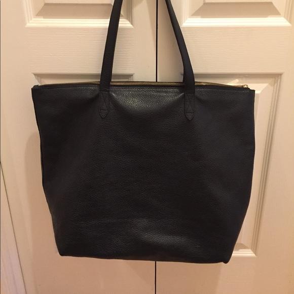 97a4946c652c7 Cuyana Handbags - Cuyana Large Black Classic Leather Zipper Tote